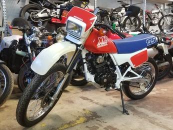 XLR 125 HONDA BLANC